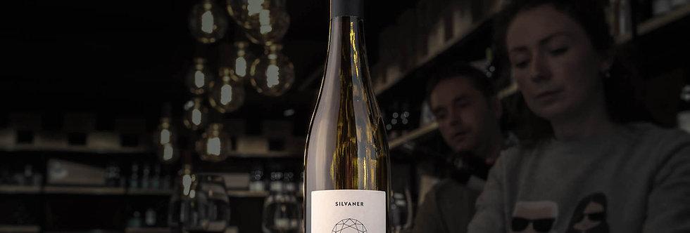 Der Juwel Silvaner ist ein typischer Weisswein aus Rheinhessen, gemacht von Juliane Eller von Juwel Weine.