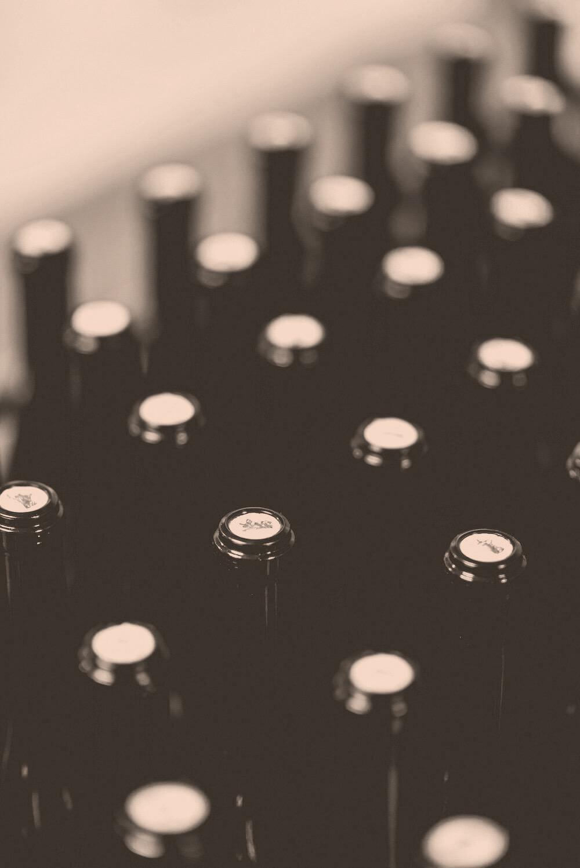 Flaschen mit Walliser Wein