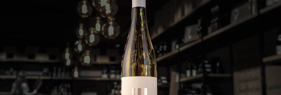Der Drei Freunde Riesling ist ein Wein von Joko Winterscheidt, Matthias Schweighöfer und Juliane Eller.
