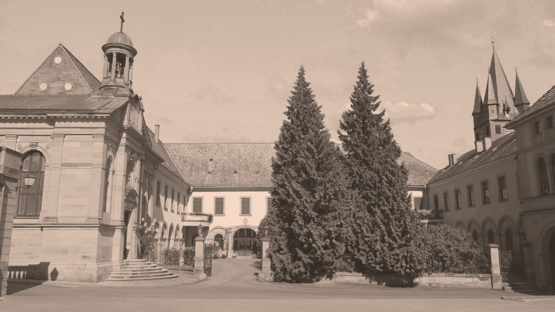 Innenhof vom Schloss des Grafen Neipperg