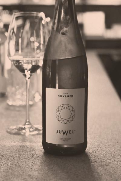 Juwel Weine in der Weinhandlung und Vinothek