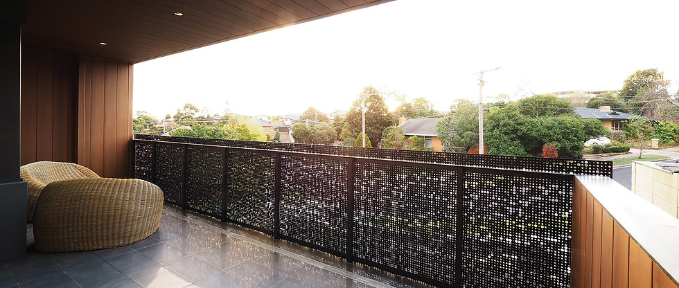 11 Edith - Balcony.jpg
