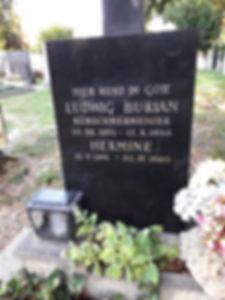 Inschrift am Grabstein voher