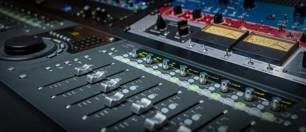 The mixing console at Studio Aix.