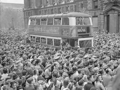 Ve_Day_Celebrations_in_London,_England,_