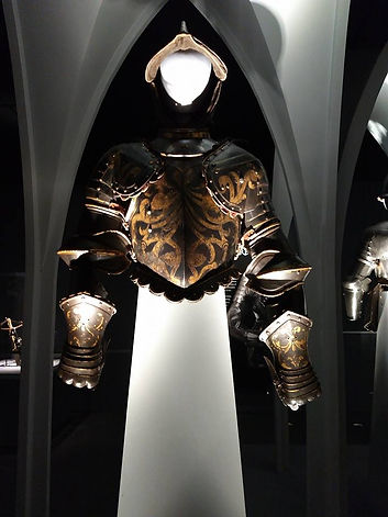 papal guard armor front.jpg