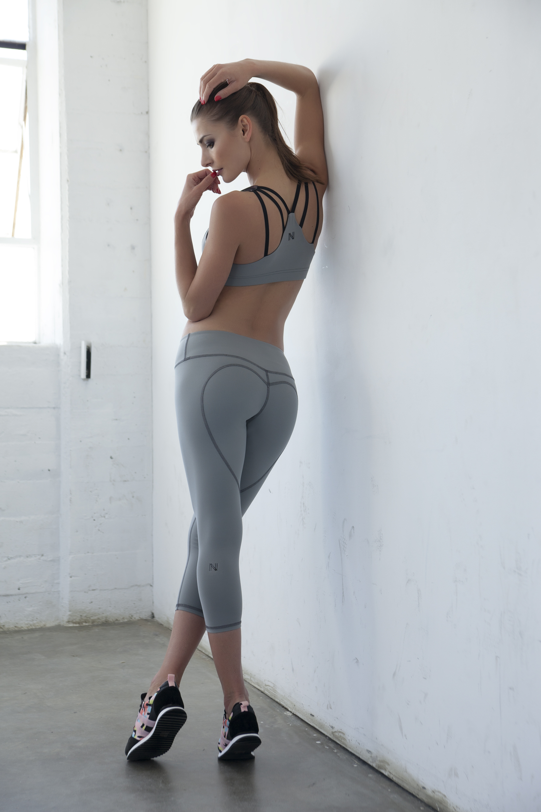 heart butt capri grey