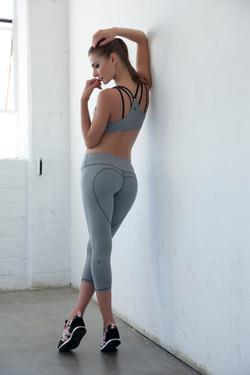 heart butt capri grey