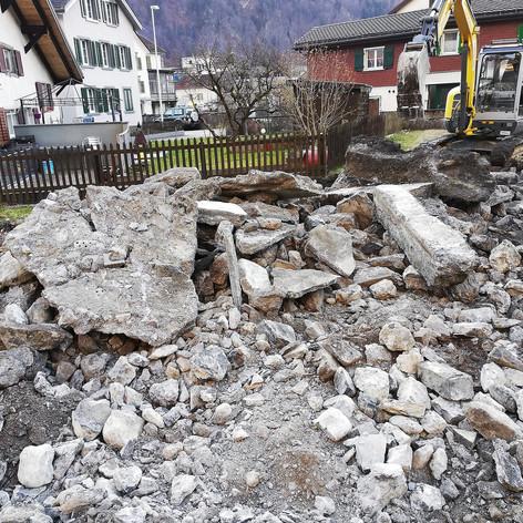 R. Oertli · Glarus · Abbrucharbeiten, Abbruch, Leitungsbau, Umgebungsarbeiten, Bauarbeiten