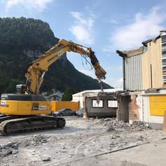 R. Oertli · Glarus · Strassenbau, Felsabbau, Leitungsbau, Umgebungsarbeiten, Vorplätze