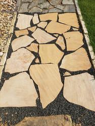 Arizona Buff flagstone with Tejas Black Star gravel
