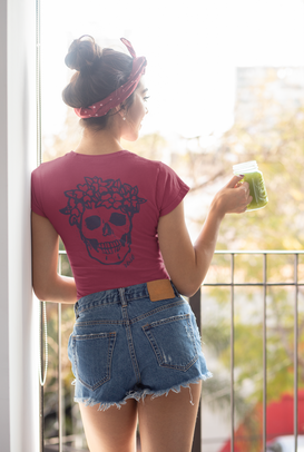 back-view-t-shirt-mockup-of-a-woman-hold
