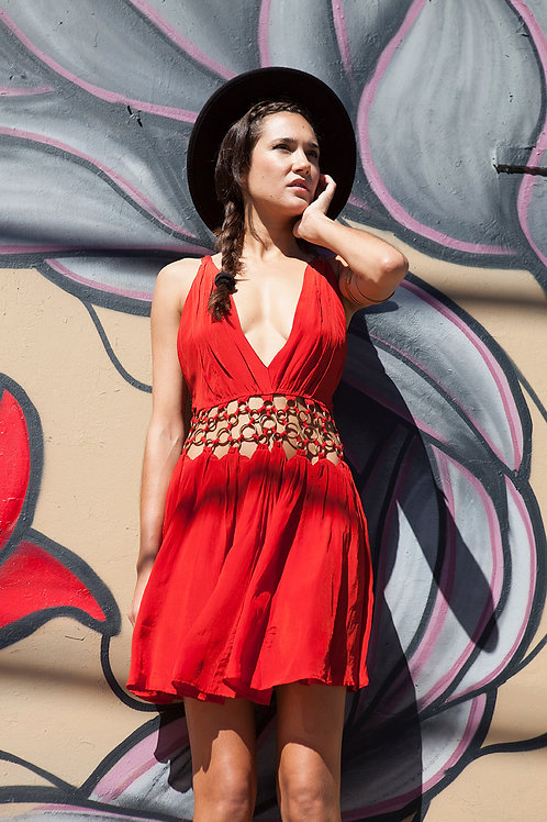 SILKY FLOWY MINI DRESS WITH METAL RINGS - RED