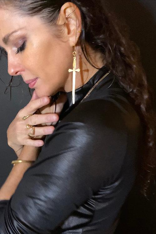 """""""Love Dagger"""" earrings (pair) -Gold Color"""