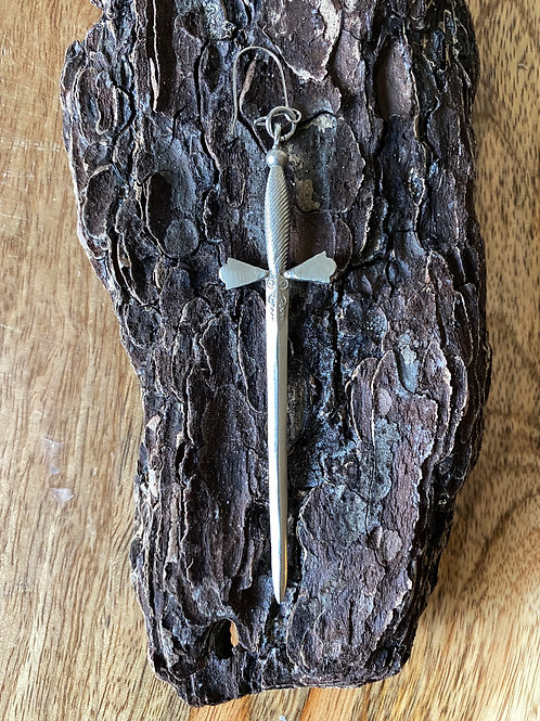 """Love Dagger"" earrings (pair) -Silver Color"