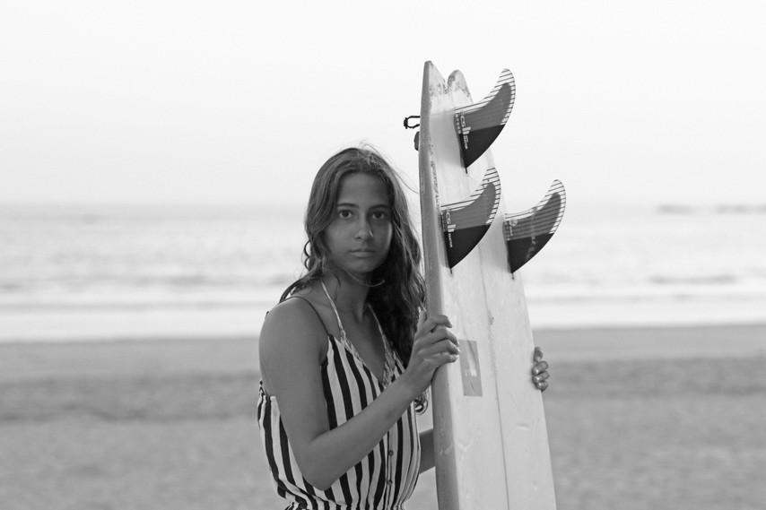 Book Surfer Girls