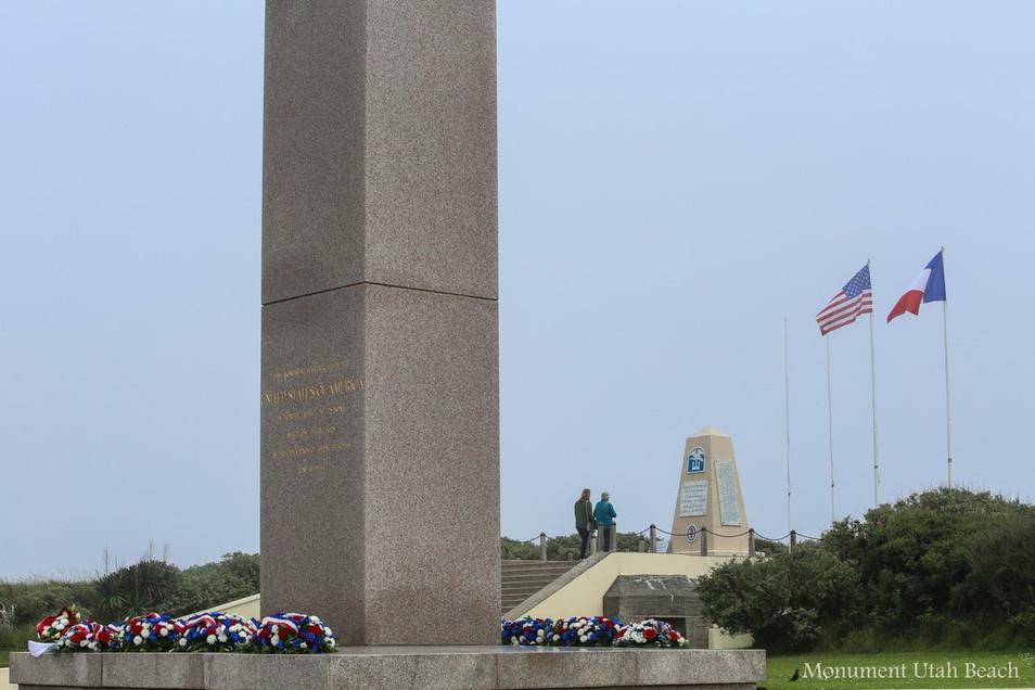 Monument U.B. 2.jpg