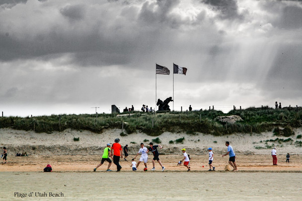 Jeux sur plage U.B..jpg