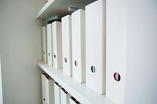 Documents-shelves-in-office-399770.jpg