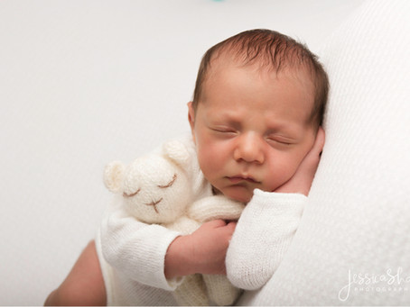 Heart Melting Newborn Photography – Prepare to be wooed by baby Jude