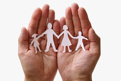 Famille-main.jpg