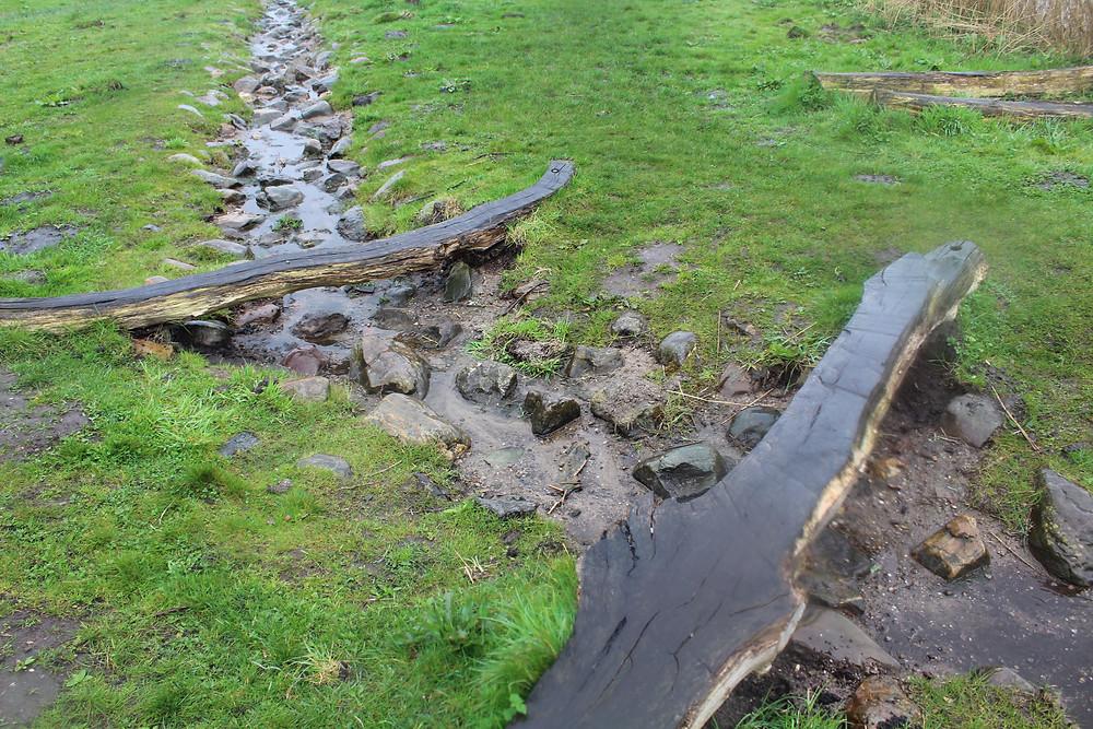 Split Log Bridges and Stream