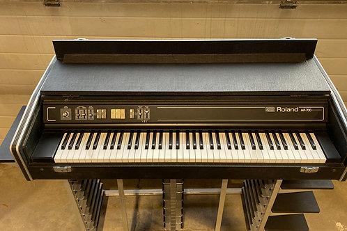 Roland MP700