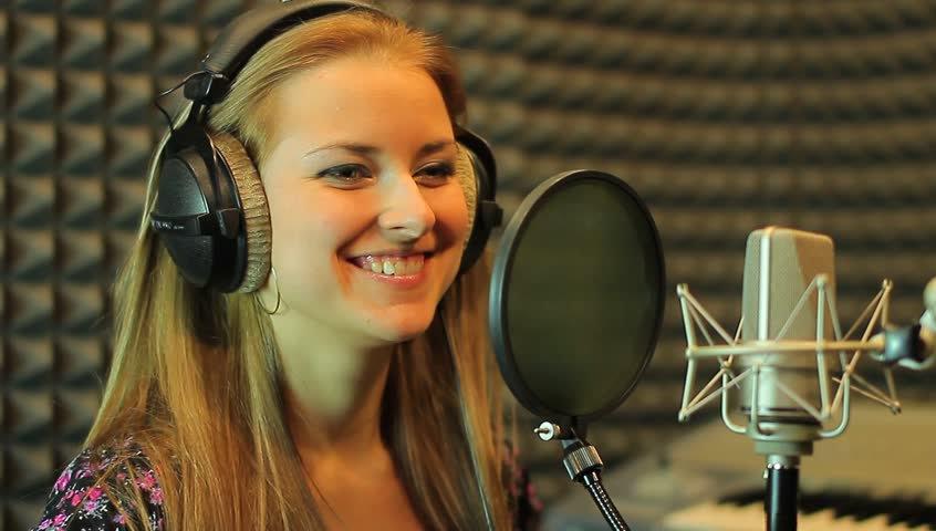 Stephanie Holland - Singing Coach