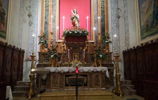 chiesa interno madonna del carmelo.jpg