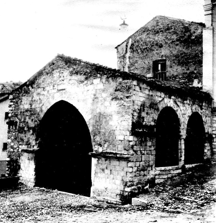prospetto con pronao della chiesa dell'a