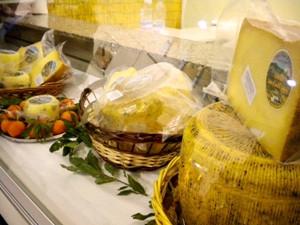 formaggi locali di Cammarata e  San Giov