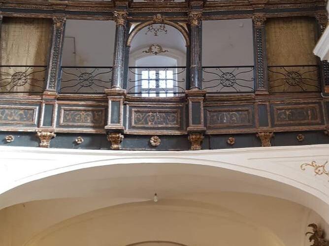 interno chiesa annunziata.jpg