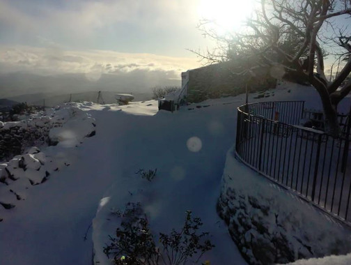 esterno con neve, La casetta sulle nuvole, Cammarata, una montagna di eccellenze
