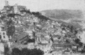 panorma di cammarata con la piazza e il castelo