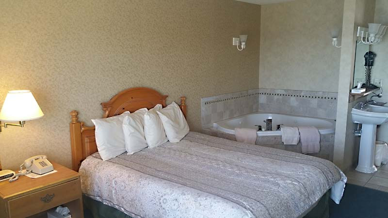 Single Jacuzzi Rooms