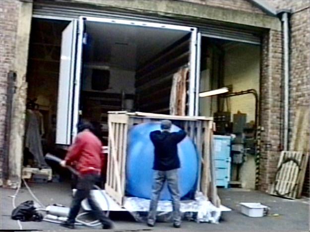 MOMART [ballooning] 1996 video still