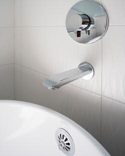 william and wayne design-kenmore master bathroom-tub hardware