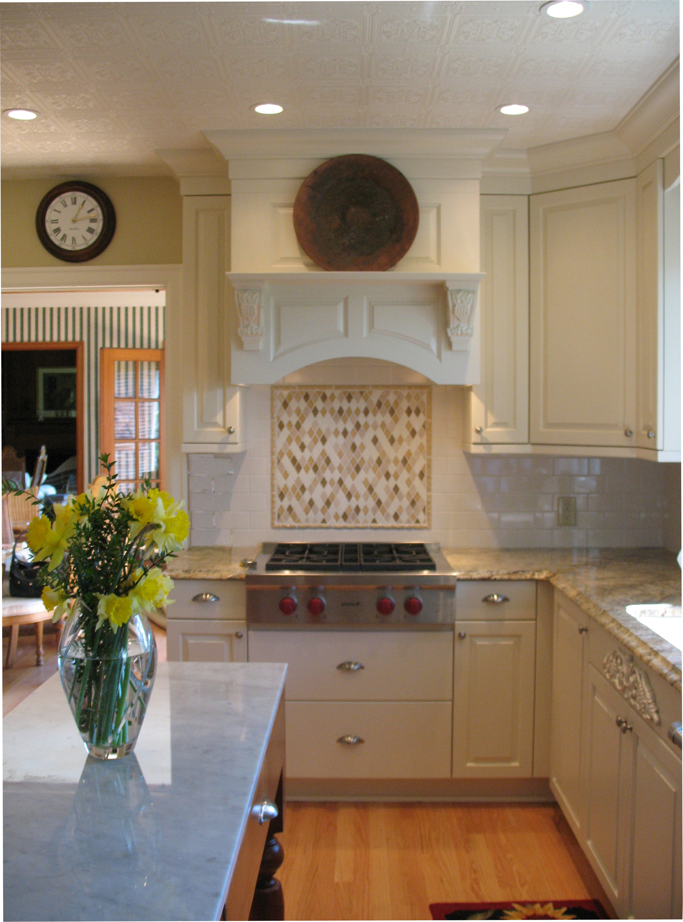 French Country Kitchen Stove and Backsplash