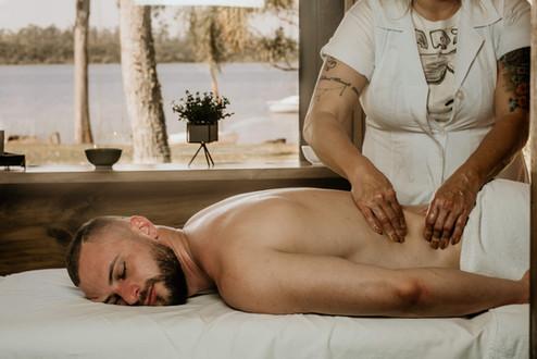 Massagem Relaxante - Chalé Lagoa da Serra (11).jpg