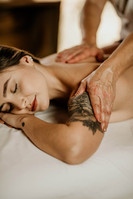 Massagem Relaxante - Chalé Lagoa da Serra (14).jpg