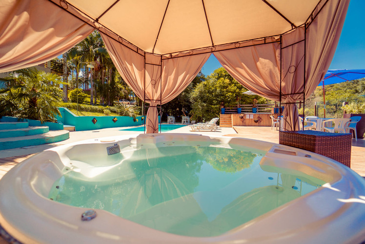 Área Deck Piscina Ofurô - Hotel Santa Cr