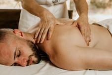 Massagem Relaxante - Chalé Lagoa da Serra (12).jpg