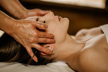 Massagem Relaxante - Chalé Lagoa da Serra (18).jpg