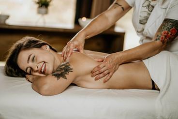 Massagem Relaxante - Chalé Lagoa da Serra (17).jpg