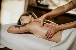 Massagem Relaxante - Chalé Lagoa da Serra (07).jpg