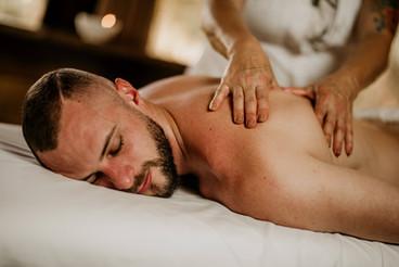 Massagem Relaxante - Chalé Lagoa da Serra (04).jpg