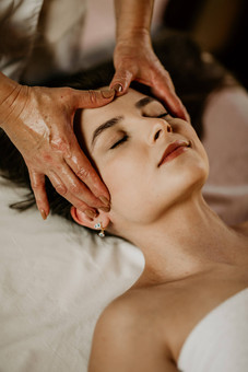 Massagem Relaxante - Chalé Lagoa da Serra (19).jpg