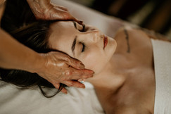 Massagem Relaxante - Chalé Lagoa da Serra (10).jpg