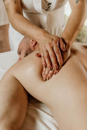 Massagem Relaxante - Chalé Lagoa da Serra (21).jpg