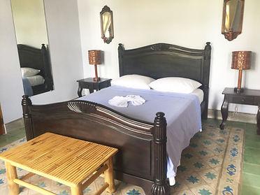 Spacious standard queen suites